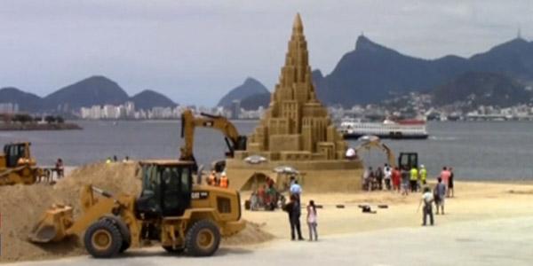 Record le plus grand ch teau de sable du monde est br silien for Le chateau le plus beau du monde