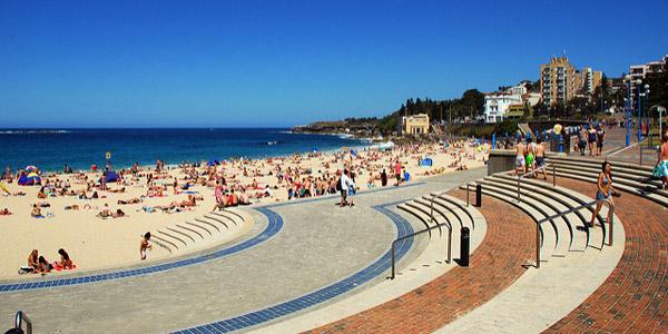 r veillon australien 15 tonnes de d chets sur une plage. Black Bedroom Furniture Sets. Home Design Ideas