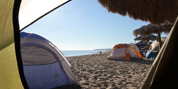 Peut-on faire du camping à la plage ?