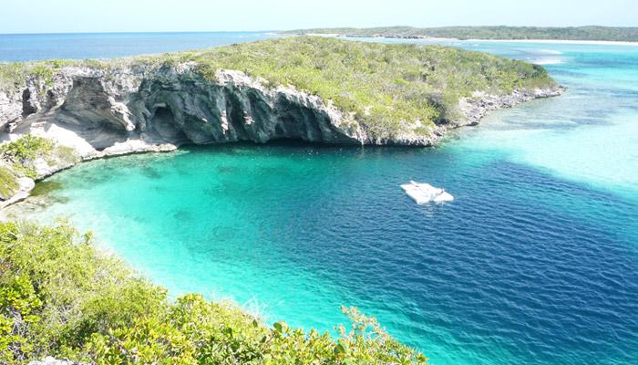 Trou bleu aux Bahamas
